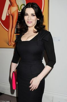 Nigella Lawson has slammed trendy restaurants for playing loud music, saying it leaves her unable to taste her food properly Tv Girls, Nigella Lawson, Tv Presenters, Woman Drawing, Sexy Older Women, Types Of Dresses, Beautiful Saree, Peplum Dress, Celebs