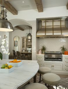 Classic styling in this Candelaria Design Nance Construction indoor grill. Www.candelariadesign.com www.thedesignnetwork.com