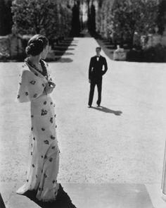 George Hoyningen-Huene fue fotógrafo de moda para Vogue París (1926-1935) y Haper`s Bazaar en NY en los años 30.