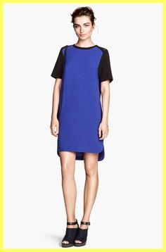 H&M Navy Blue / Black Colorblock Mesh Crepe Shift Dress. Free shipping and guaranteed authenticity on H&M Navy Blue / Black Colorblock Mesh Crepe Shift DressNew With Tags $34.95 H&M Navy Blue / Black Colorbl...