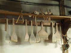 Mr. Naoyuki Okina Koishiwara's Ming pottery studio brushes.