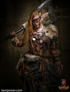 Viking Women Warriors The modern remakes of Viking stories usually revolve around the brave Viking men warriors, don't they? Even though people are debating the historical existence of Viking women warriors, we definitely have them in our legendary sagas. Viking Warrior Woman, Viking Men, Warrior Women, Dnd Characters, Fantasy Characters, Female Characters, Vikings, Character Portraits, Character Art