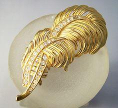 Vintage Trifari Rhinestone Feather Pin Gold by GretelsTreasures