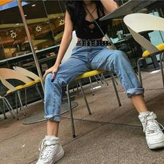 Grunge-clothing boutique de vêtements unique grunge aesthetics. Une boutique éthique et alternative Retro Aesthetic, Aesthetic Girl, Aesthetic Fashion, Aesthetic Clothes, Hazel Green Eyes, Maggie Lindemann, Style Grunge, 90s Outfit, Rocker Chic
