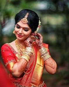 #keralaweddingphotography#kalyanaramensphotography#indianphotographers#weddingsutra… Indian Bride Poses, Indian Wedding Bride, South Indian Bride, Indian Bridal, Tamil Wedding, Indian Weddings, Bridal Silk Saree, Saree Wedding, Wedding Poses