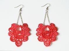 """Boucles d'oreille en dentelles colorées, rouge, """"Olé-olé"""" : Boucles d'oreille par doon"""