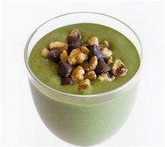 20 Healthy Smoothies That Taste Like Dessert: Thin Mint Protein Smoothie with frozen spinach, rolled oats, walnuts, dark chocolate chips