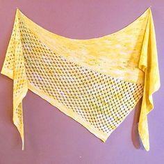 Fresh off the blocking mats. #sunwalker #mairlynd #hedgehogfibres #bananalegs #handknit #knitstagram #knittersofinstagram #knitting #handmade #shawl #knitting_inspiration @hedgehogfibres @mairlynd