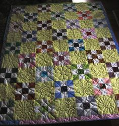 Such a pretty quilt wilt beautiful quilting