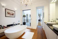 Darse un baño en el Casco Antiguo de Palma de Mallorca...