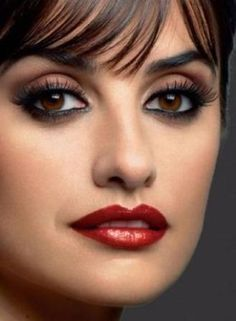 Penelope Cruz eye make up Beauty Makeup, Eye Makeup, Hair Makeup, Beautiful Eyes, Most Beautiful Women, Penelope Cruz Makeup, Ojos Color Cafe, Estilo Lady Like, Spanish Actress