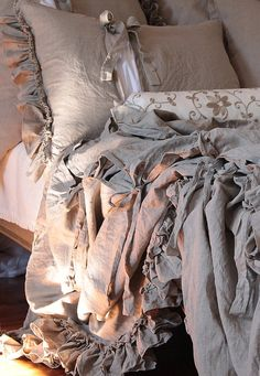 Pure Linen duvet cover with ruffles and ties linen by emeisonCOM
