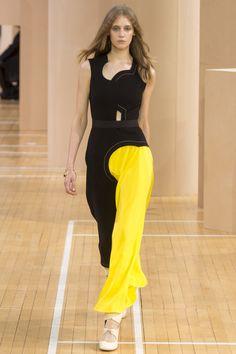 Roksanda Spring 2016 Ready-to-Wear Collection Photos - Vogue  http://www.vogue.com/fashion-shows/spring-2016-ready-to-wear/roksanda/slideshow/collection#10