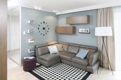 Mały salon - 15 pomysłów od architektów  - zdjęcie numer 6 Couch, Furniture, Home Decor, Carpets, Decorating, Ideas, Living Room, Farmhouse Rugs, Decor