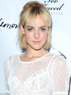 Jena Malone dazzles n a sheer white dress at lingerie party Hollywood Actresses, Actors & Actresses, Pictures Of Jordans, Jena Malone, Lingerie Party, Woman Crush, White Dress, Sucker Punch, Ocelot
