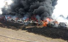 La columna de humo se podría apreciar desde varios puntos del sur de la capital del estado, por lo que se trasladaron unidades de bomberos de Protección Civil Estatal, Municipal, ...