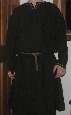 Tutorial for a tunic http://dagorhir.com/gear/content/garb/bocksten_tunic.php