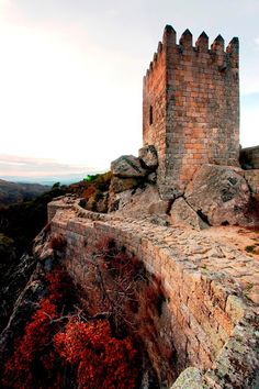 Castle and mediaval walls - Historical Villages of Portugal Beautiful Places To Travel, Great Places, Places To See, Portugal Travel, Spain And Portugal, Sea Activities, Algarve, Beautiful Castles, Medieval Castle
