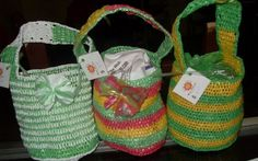 Purses made with plarn. the page is in spanish, so you will have to translate it.