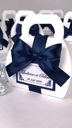 Wedding Favours Navy Blue, Handmade Wedding Favours, Elegant Wedding Favors, Personalized Wedding Favors, Blue Wedding, Wedding Welcome Bags, Wedding Favor Bags, Gifts For Wedding Party, Wedding Candy Boxes