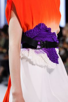 Haider Ackermann Spring 2017 Ready-to-Wear Fashion Show Fashion Details, Fashion Design, Haider Ackermann, Editorial Fashion, Fashion Show, Paris Fashion, Ready To Wear, Vogue, Spring