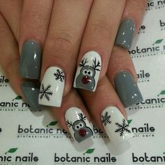Grey Reindeer Christmas nails