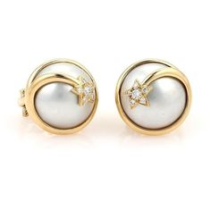 Pre-owned Chanel 18K Yellow Gold Mabe Pearl & Diamond Comete Star... ($1,850) ❤ liked on Polyvore featuring jewelry, earrings, gold star earrings, 18k earrings, gold earrings, white gold pearl earrings and gold diamond earrings