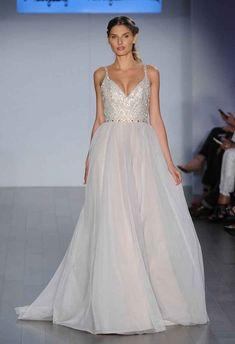 20 Gorgeous Plus-Size Wedding Dresses | TheKnot.com