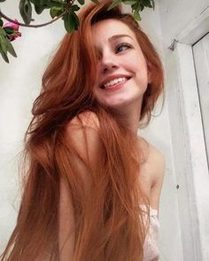 coiffure フ les cheveux longs hair haar frisur redhead rousse – Fashion Style Ginger Girls, Ginger Hair Girl, Redhead Girl, Beautiful Redhead, Beautiful Red Hair, Beautiful Women, Pretty Face, Pretty People, Auburn Hair