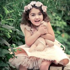 The world's cutest baby girl smile! Cute Baby Girl Photos, Cute Kids Photos, Cute Little Baby Girl, Beautiful Baby Girl, Cute Girl Pic, Cute Baby Pictures, Cute Girls, Cute Images, Beautiful Children