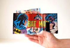 Portemonnaie BATMAN D.C. Comic upcycling Unikat! Geldbörse, Brieftasche, Geldbeutel Batman Superheld DC Comic wallet handmade in Berlin von PauwPauw auf Etsy