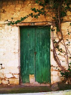 Kyparissia, Greece Castle Ruins, Old Doors, Planet Earth, Wonders Of The World, Outdoor Spaces, Outdoor Gardens, Planets, Backdrops, Greece