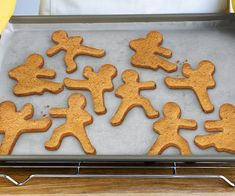 Regular ginger bread men are so old, cliché, and lame. With this cookie cutter mold you can create the coolest cookies in existence: ninjabread men cookies! Three attack poses are included in this cookie cutter set of ninjabread men.