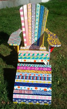 Adirondack Chair painted by Freshman Foundations Art Class | Flickr: Intercambio de fotos