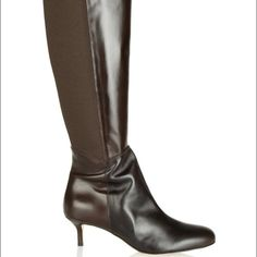 "Oscar de la Renta brown leather knee boots, Sz 5.5 Oscar de la Renta dark brown boots. Brand new in box. Heel measures approximately 2"" high. Pull tab, elasticated side panels, almond toe. Zipper fastening along side. Fits small to size, perfect for size 5 feet. Oscar de la Renta Shoes"