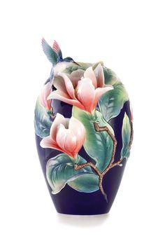 FZ03280 Franz porcelain Eminent elegance magnolia design vase limited edition