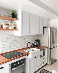 Luxury Kitchen Remodel with Gray Cabinet and Black Marble Countertop Secrets - homesuka Modern Kitchen Renovation, Small Kitchen Renovations, Kitchen Remodel, Small Kitchen Plans, New Kitchen, Kitchen Decor, Kitchen Ideas, Ideas Hogar, Best Kitchen Designs