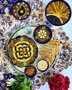 Ash e Reshteh - Persian noodle soup Iran Pictures, Iran Food, Iranian Cuisine, Persian Culture, Food Decoration, Middle Eastern Recipes, International Recipes, Food Presentation, Food Design