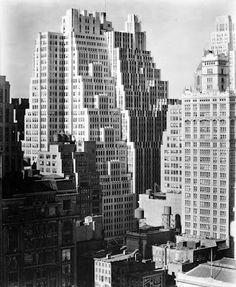 New York, 1930s. Photo: Berenice Abbott.