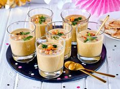 Kichererbsen-Süppchen im Glas Our popular recipe for chickpea soup in jar and more than more free recipes on LECKER. Casserole Recipes, Crockpot Recipes, Soup Recipes, Vegetarian Recipes, Chicken Recipes, Healthy Recipes, Delicious Recipes, Brunch Recipes, Dessert Recipes