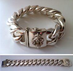 Nice bracelet but too expensive (2600€ / 500gr). / Bonita pulsera aunque muy cara. Länge length largo: 23,5 cm - Breite width ancho: 30,0 mm - Höhe thick espesor: 12,8 mm - Gewicht weight peso: 500 g.