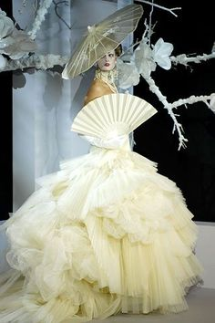 Christian Dior 2010, almst a cake itself !!