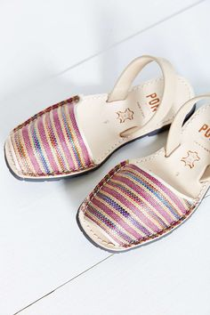 I am in #love.  PONS AVARCAS Classic #Woven Sandal
