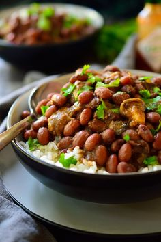 This vegan red beans and rice recipe is a filling meal packed with flavour and made with simple, inexpensive ingredients.