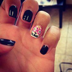 Dia de Los muertos- sugar skull nails