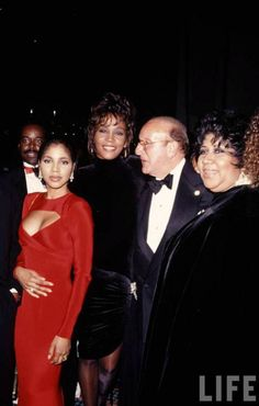 Laface had Toni Braxton , Arista had Whitney! Three vocal legends and icons .Toni Braxton, Whitney Houston, and Aretha Franklin. Whitney Houston, Soul Music, Music Love, Vintage Black Glamour, Toni Braxton, Aretha Franklin, Victoria, Female Singers, Soul Singers