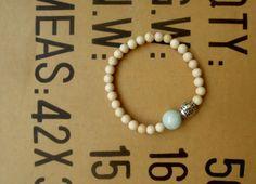 White Marble Bead Beaded Bracelet  Gemstone by RetroBicycle, €12.00