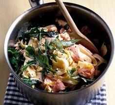 Salmon & rocket pasta
