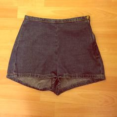American Apparel Denim Tap Short Cute medium wash high waist shorts! From American Apaprel so you know the quality is top notch! Only worn once or twice. Is too small on me so can't keep it! X American Apparel Shorts Jean Shorts
