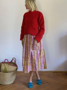 Red Cashmere Sweater + African Print Skirt luxurydejavu + Suede Gucci Loafers = my look of spring Casual Outfits, Fashion Outfits, Womens Fashion, Spring Fashion, Autumn Fashion, Colorful Fashion, Printed Skirts, Types Of Fashion Styles, Everyday Fashion